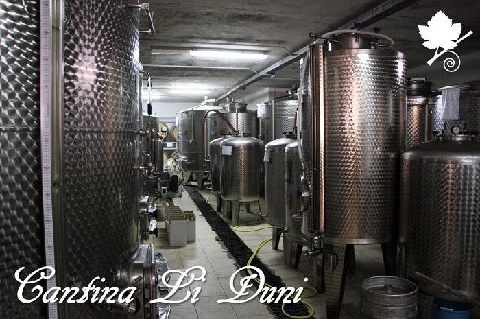 Cantina Li Duni - cantina con silos di acciaio