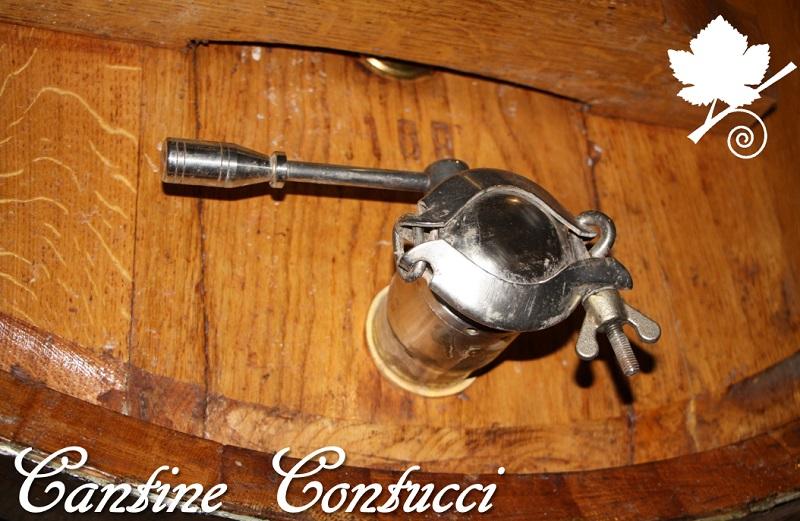 Cantine Contucci - rubinetto della botte