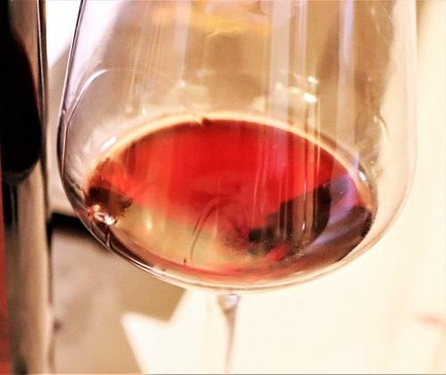 Montefalco Rosso DOC - Calice di vino rosso