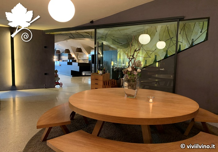 Cantina J.Hofstätter - sala degustazioni